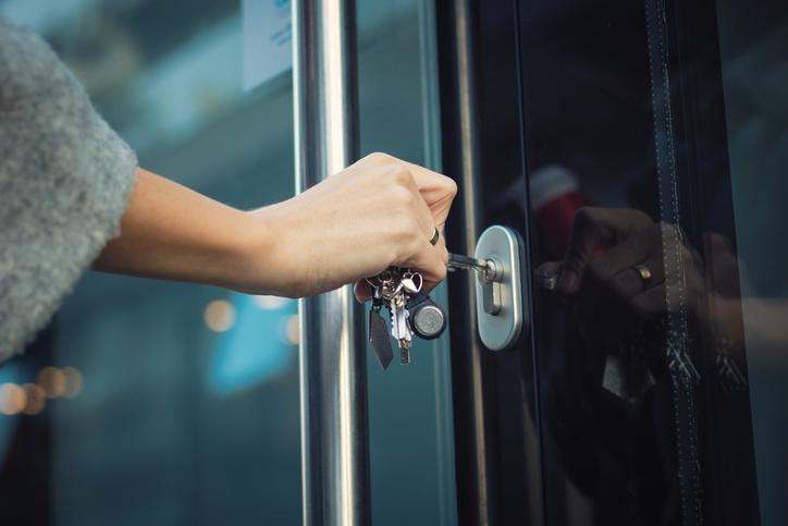 ny-locks-key-office-home-24-hour-car-lock-out-automotive-automobile-11572-locksmith-new-york-ocout-auto-oceanside
