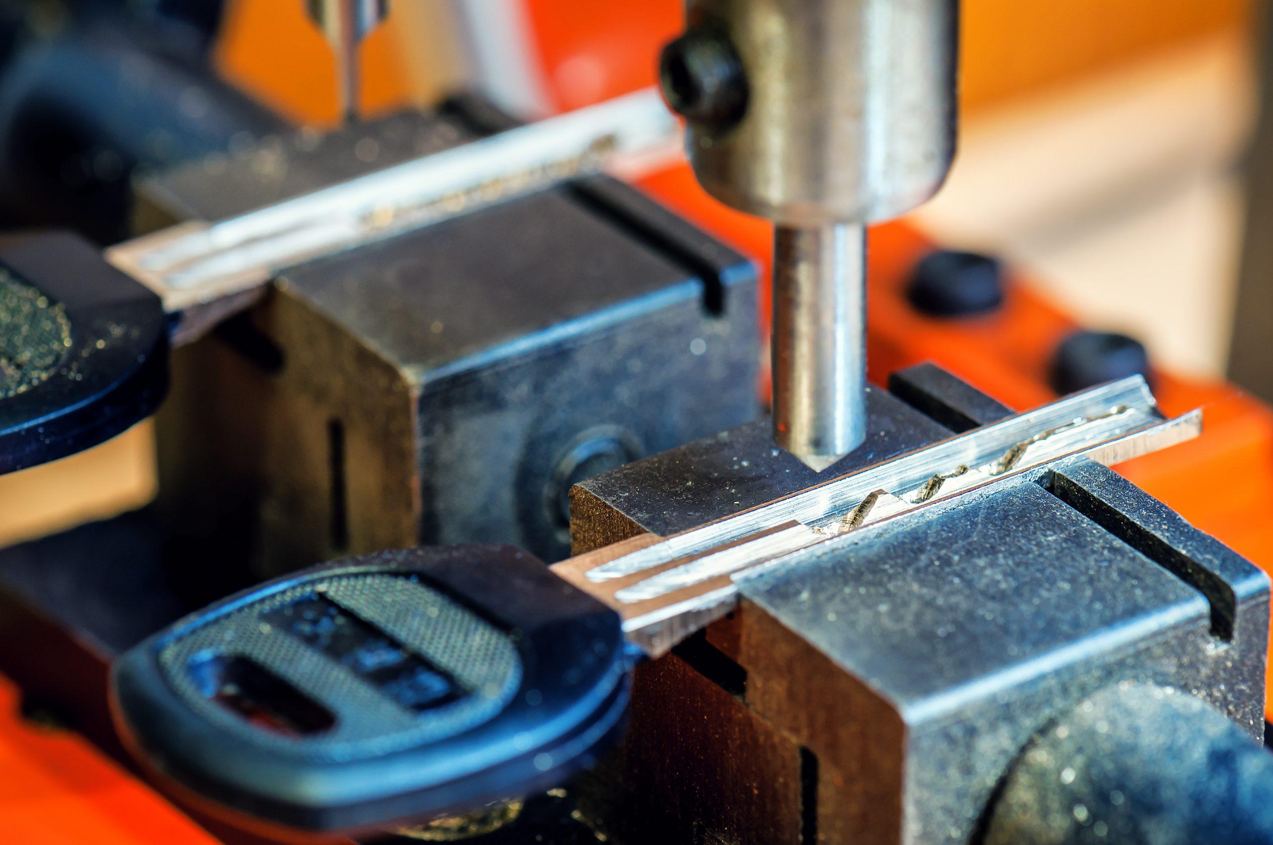 Hire The Best Automotive Locksmith Near Me Services